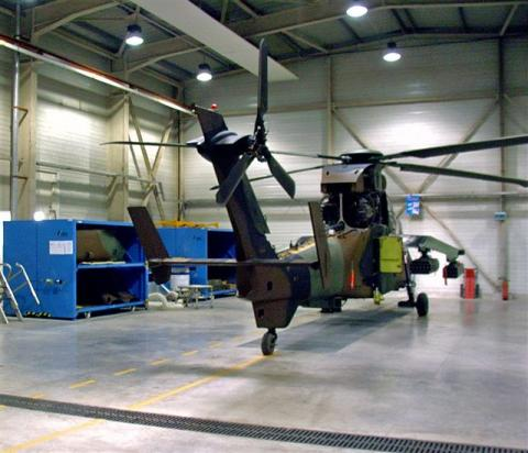 sliding shelving system for NH 90 and Tiger helicopter at French Army bases