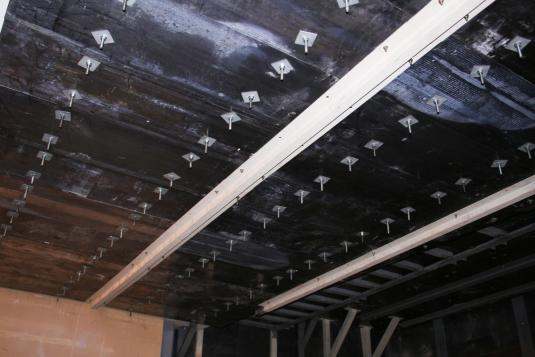 Lead ceiling without structure.
