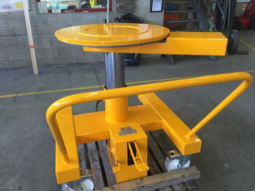 rolling cart with hydraulic elevator table  - SULZER