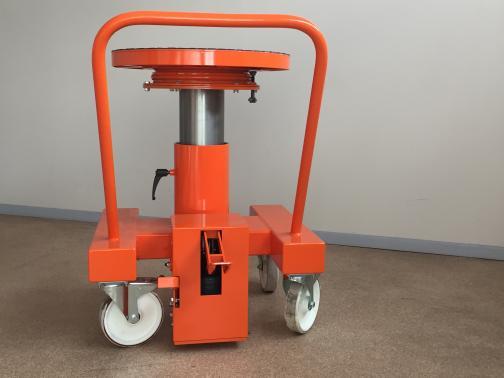 rolling cart with hydraulic elevator table  - SNECMA, SAFRAN