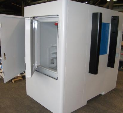 Radiopharma - Leaded cabin with manual and automatic compartment doors.