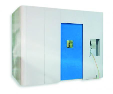 Shielded lead cabin with automatic 12 mm lead door.