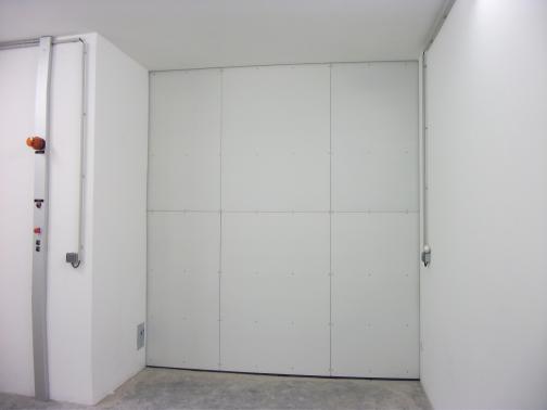 Institut de Soudure - France - Main door for industrial radiography bunker. 2.7m x 3.0m; Lead 85mm; Weight 10t.
