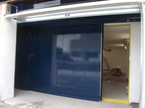 Manoir Industries - France - Shielded door for welding radiography bunker.