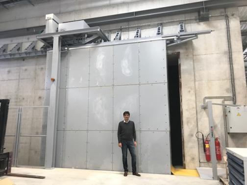 Bunker Door - France - Motorised 80 ton with movable sill; heading 60 tons.