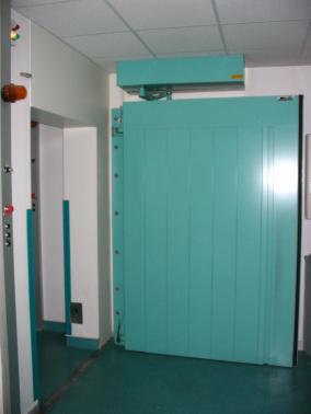 Hôpital Tenon - Paris - France - Swing door.
